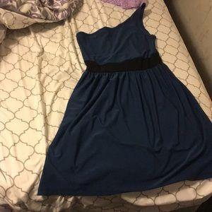 1 shoulder dress!